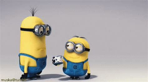 minions imagenes que se mueven minions gif find share on giphy