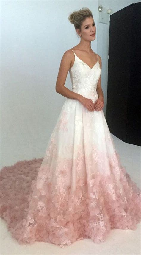 Pretty Gowns For Weddings by 25 Best Ideas About Prom Dresses On Grad