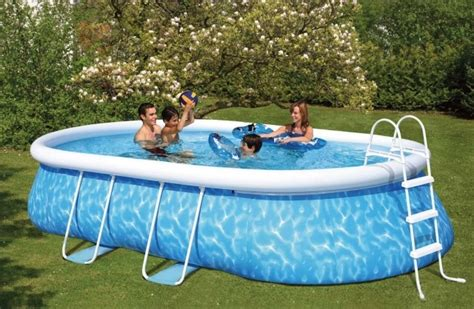 Piscine Gonflable Pas Cher 2229 by La Piscine Autoport 233 E Une Grande Piscine Pas Ch 232 Re