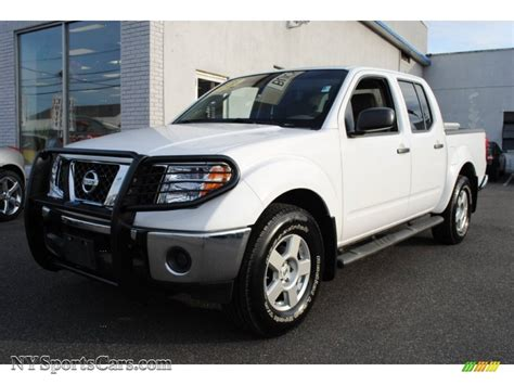 white nissan frontier 2008 nissan frontier se crew cab 4x4 in avalanche white