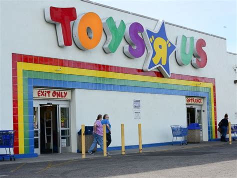 toys r us these 5 layaway angels ring up holiday cheer abc news