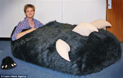 big slippers tom boddingham slipper decimal point error sees size size