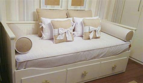 edredon ajustable cama nido edredon ajustable y rulos bordados cama nido de 80 ikea