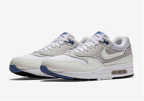 color changing nike shoes nike air max 1 cx color changing sneakernews