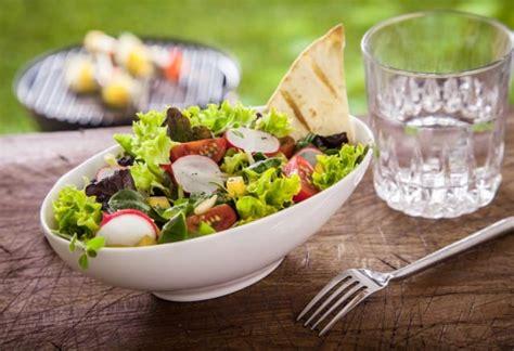 giusta alimentazione per dimagrire dimagrire bevendo acqua la dieta giusta non sprecare