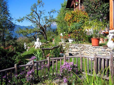 Gartengestaltung Böschung by Quot Liebevolle Gartengestaltung Quot Fundahof In Irschen
