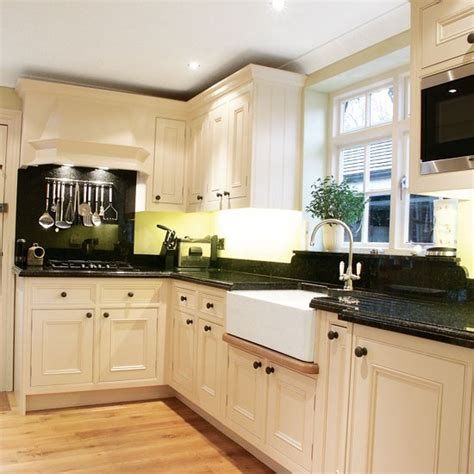 L Kitchen Designs | l shaped kitchen design ideas black countertops white