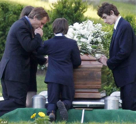 anthony daniels ii death mary kennedy death emotional scenes at funeral as