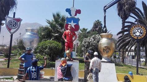 alexis sanchez statue sanchez attends unveiling of his statue the nation nigeria