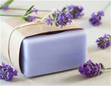 Handmade Lavender Soap Recipe - simple diy gift ideas everyone will