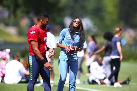 ciara is dating seattle seahawks quarterback russell seahawks qb russell wilson ciara married in england the