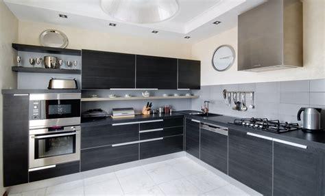pavimenti in cucina pavimenti e piastrelle grigie 10 errori da evitare