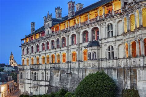 Cabinet Central Blois by Cabinet Central Blois