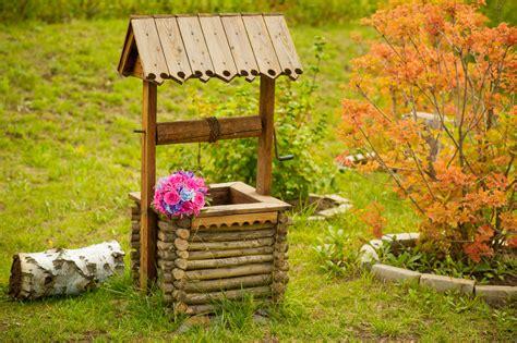 Der Wasserbrunnen Den Garten Nat 252 Rlich Bew 228 Ssern