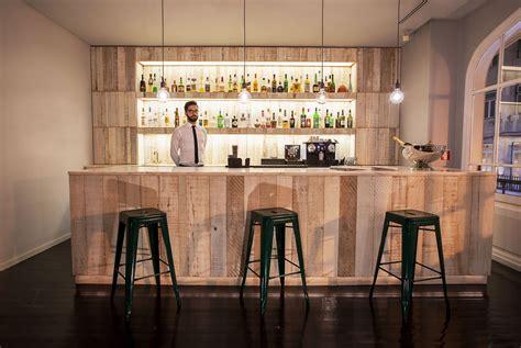 der bastardo bar cocktailbar auf lissabon rossio platz