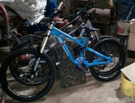 commencal supreme dh v3 commencal supreme dh v3 2012 downhill 33824
