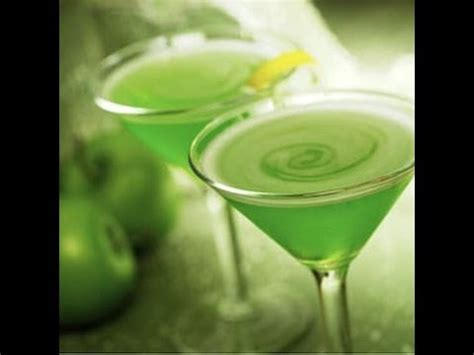 sour apple martini how to a sour apple martini