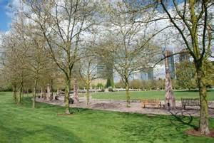 bellevue park reduced 100k downtown bellevue wa 2br x 1 75ba lake washington view condo 325 000