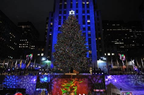 rockefeller center christmas tree lighting live rockefeller center tree lighting 2015 time location performers channel and more