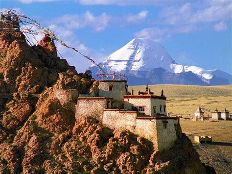 tibetan mountain trip lit to a mountain in tibet national geographic traveler