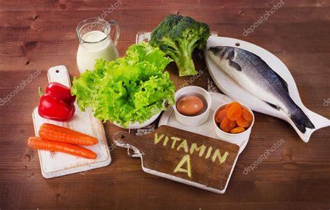 foto alimenti alimenti contengono vitamina a foto stock 169 bit245