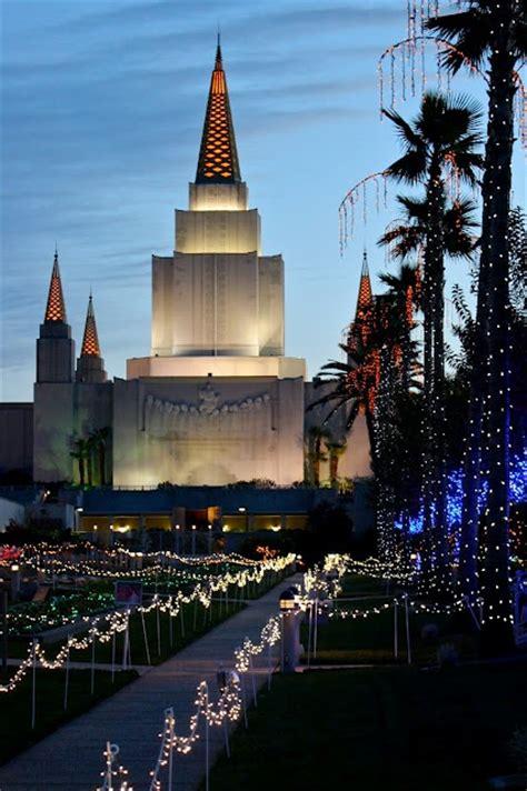 Mormon Temple Oakland Ca Places And Spaces Pinterest Oakland Temple Lights