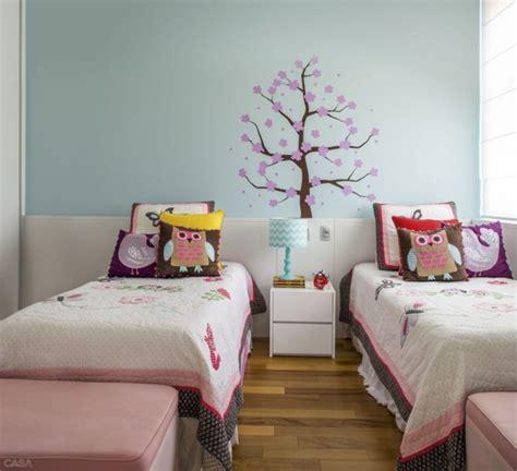 kinderzimmer teilen geschwister kinderzimmer gestalten kreative ideen in farbe