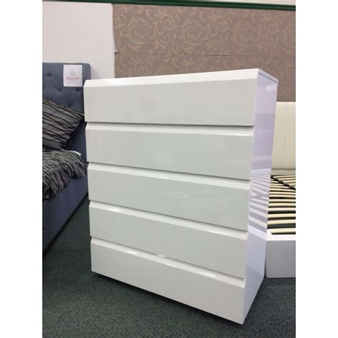 Handleless Bedroom Drawers 5 Draw Handleless Chest Of Drawers In Gloss White Buy