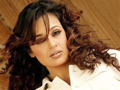 biography of yuvika chaudhary females yuvika chaudhary hot images photos and hd wallpapers