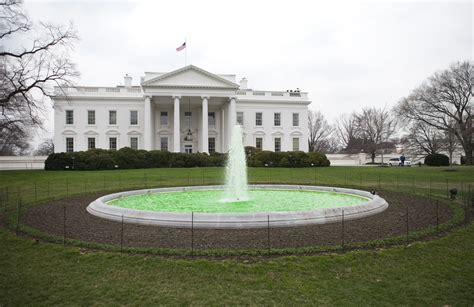 fountain house file green fountain at white house on st patricks day 2009 jpg