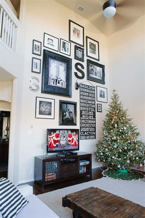 how to decorate a wall 25 best ideas about decorating high walls on pinterest