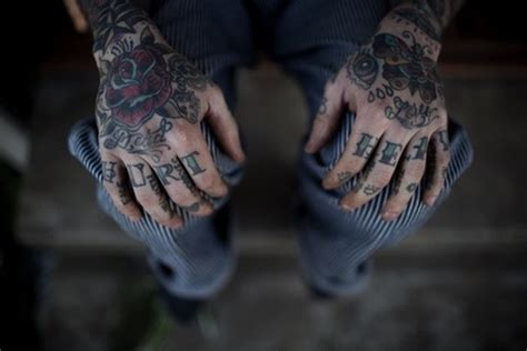 queen knuckle tattoo 101 awesome hand tattoos that will inspire you to get inked