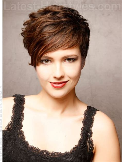 short hairstyles with height at crown the sweeping side fringe and high volume in the crown of this style gives amazing volume and