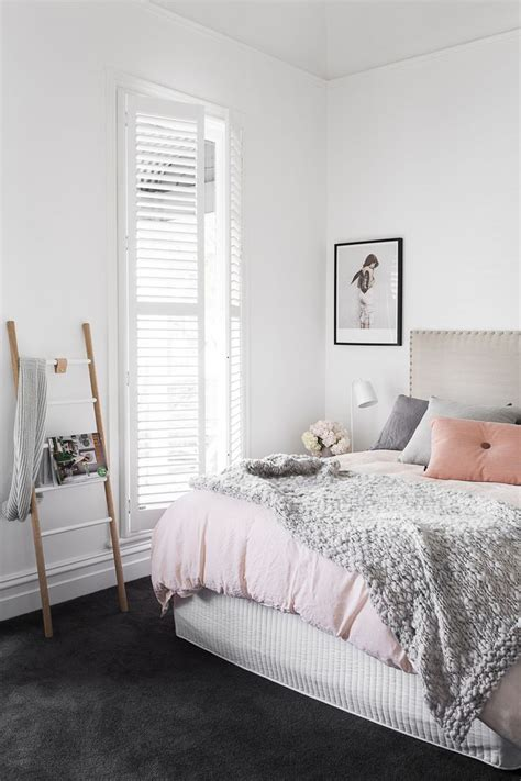 white carpet in bedroom 17 best ideas about grey teen bedrooms on pinterest teen