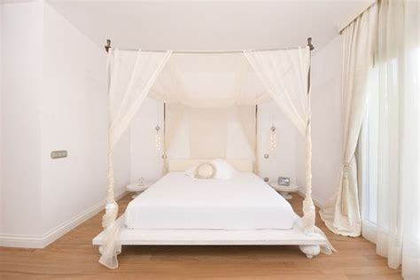 types of canopy beds give your bedroom a luxurious edge with a decorative