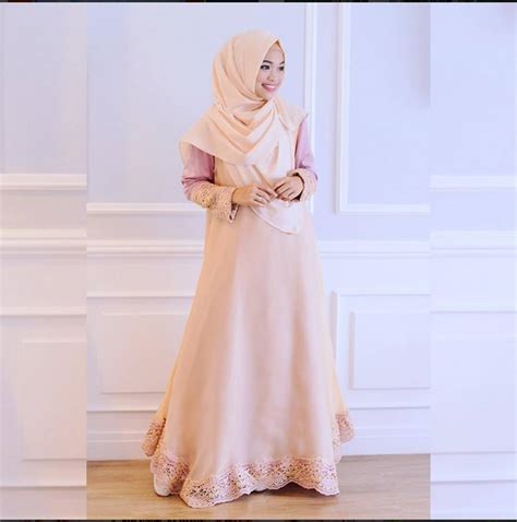 desain gamis syar i simple inspirasi model kebaya wisuda muslim hijabtren