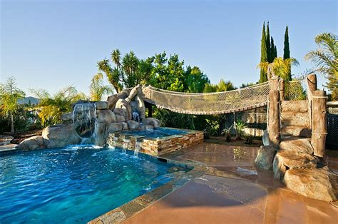 how to build a pool in your backyard 25 spectacular tropical pool landscaping ideas