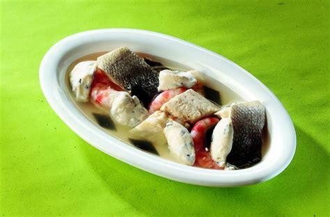 cucinare brodo di pesce ricetta gnocchi di ricotta con kombu in brodo di pesce