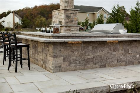 techo bloc techo bloc outdoor kitchen outdoor lighting patio