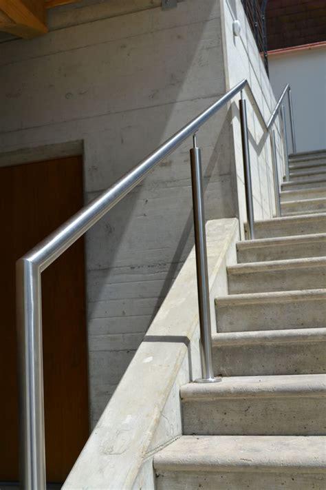 Handlauf Metall by Handlauf Gel 228 Nder Br 252 Stung Metall Stahl