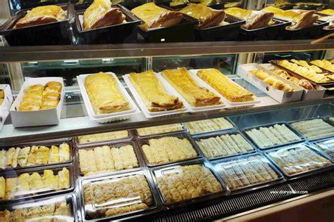 review lengkap toko kue kartika sari bandung