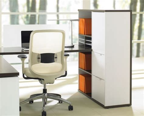 Teknion Expansion Desking by Offices Ispace Furniture