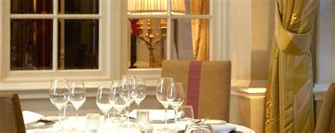dining room michelin star restaurant  goring