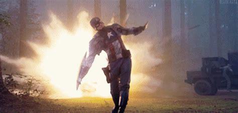 Kaos 3d Umakuka Ca Throwing Sheild captain america shield gifs find on giphy