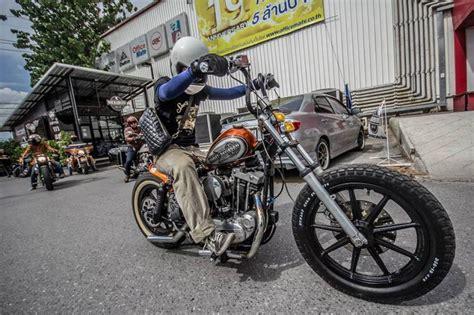 Motorrad Custom Batterie by Image Result For Where To Put Battery On Sportster Bobber