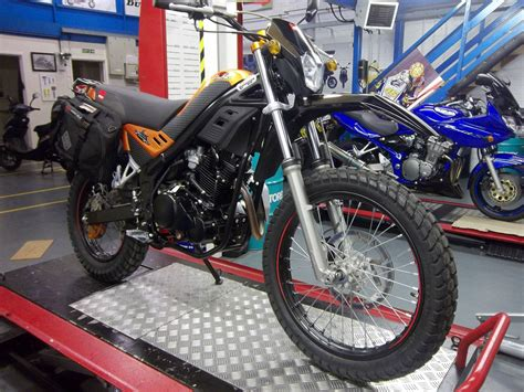 Tutup Tangq Trail Stanlis rieju 250 cc bike trail motorcycle 250 road enduro motorbike