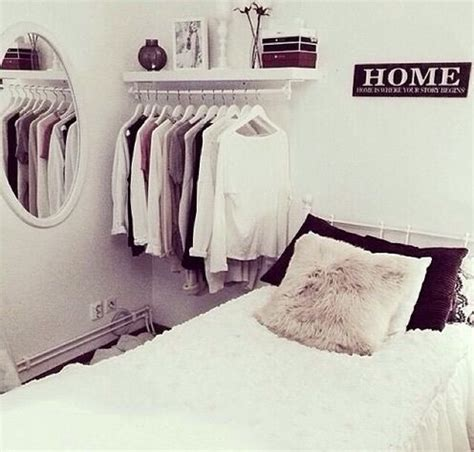 bed clothes mirror tumblr room winter bed clothes beautiful