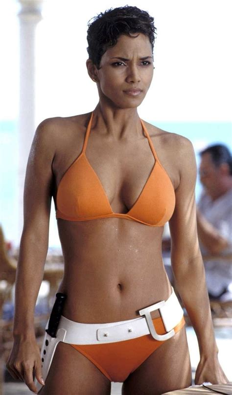 Halle Berry Named Sexiest For 2008 by Bond Bond S Sexiest
