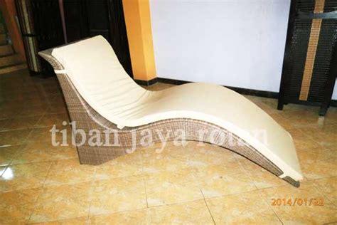 Kursi Malas Plastik kursi kolam furniture rotan sintetis furniture minimalis