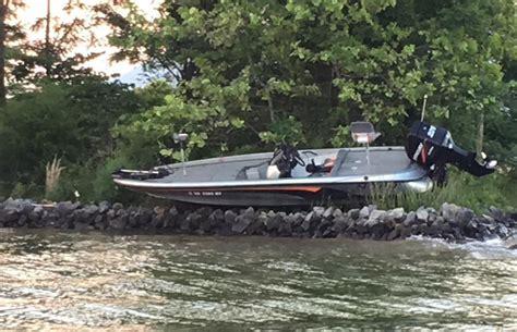 boat crash this weekend no injuries in weekend boat crash community